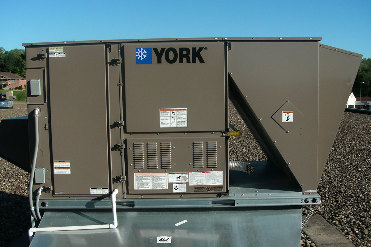 Ables Heating Cooling Electrical Commercial Roof Top Unit Install 3.JPG